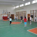 01-04-2011 Lekcja wychowania fizycznego dziewcząt w wyremontowanej sali gimnastycznej