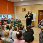 03-12-2019 r. – Klasa 1 b – p. E. Bazan – Spotkanie uczniów z pisarzem książek dla dzieci Waldemarem Cichoniem