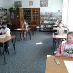 """13-05-2021 r. – Konkurs czytelniczy """"Zaczarowany świat lektur"""" dla uczniów klas III"""